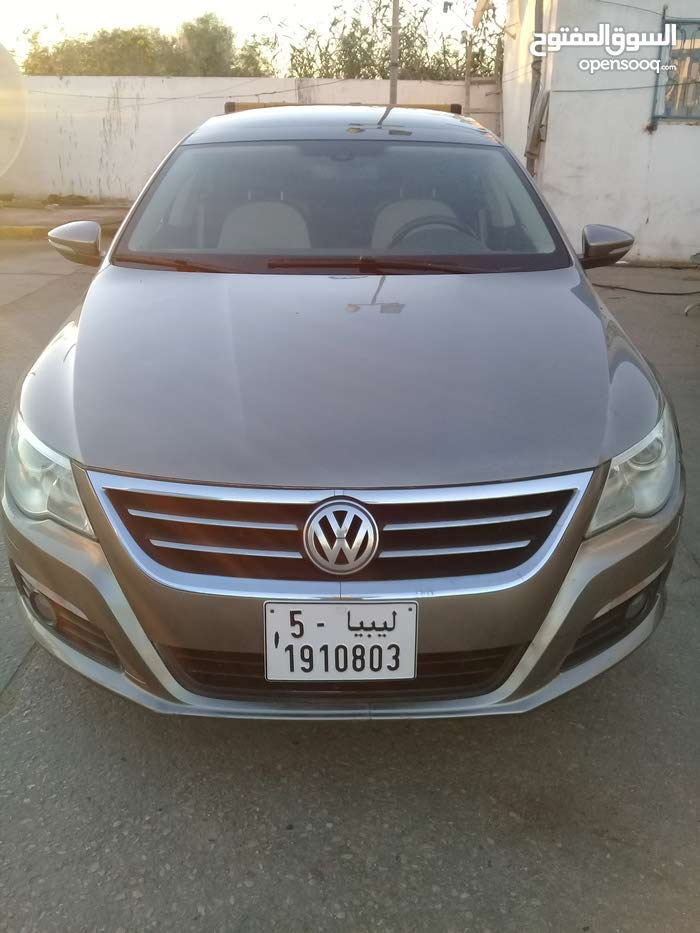 Used condition Volkswagen Passat 2010 with 90,000 - 99,999 km mileage