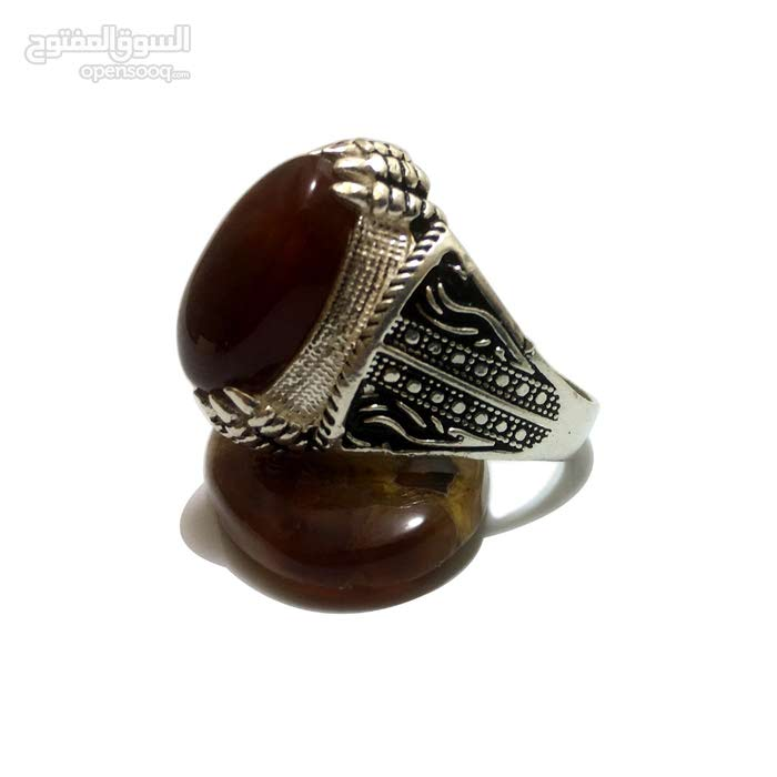 خاتم فضه عيار 925 والحجر عقيق يماني كبدي تحفة مميز ورائع جدا