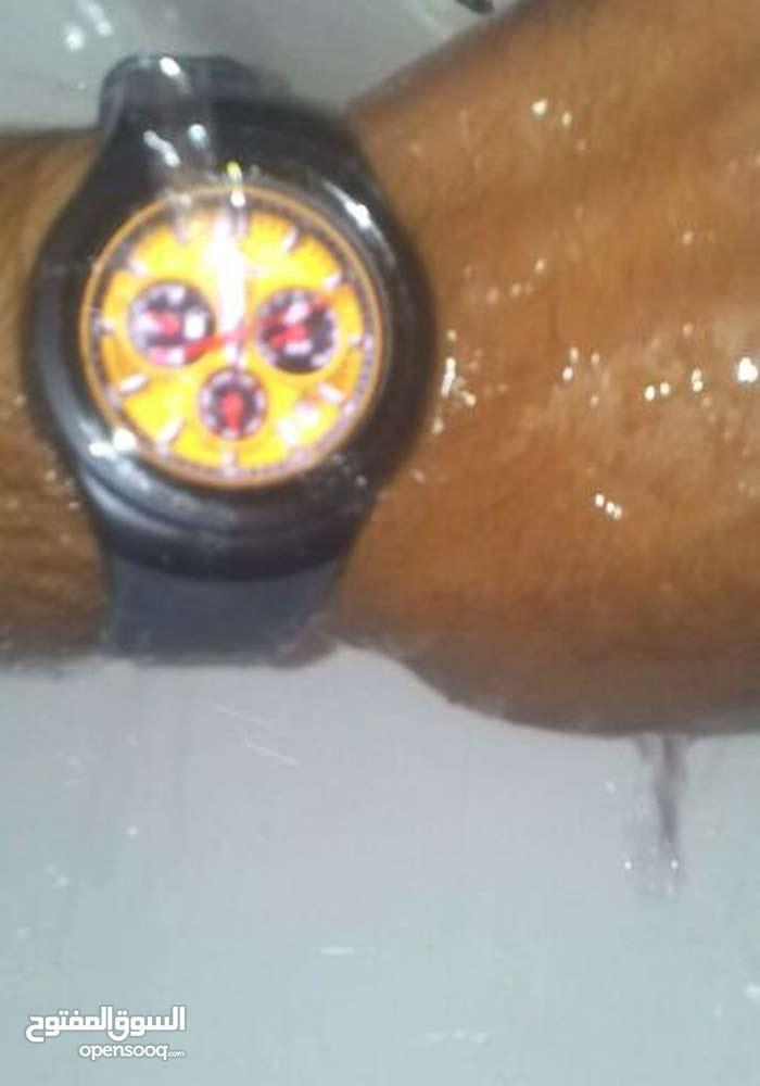 ساعة سماسونج gear s2 نظيفة شبه جديده