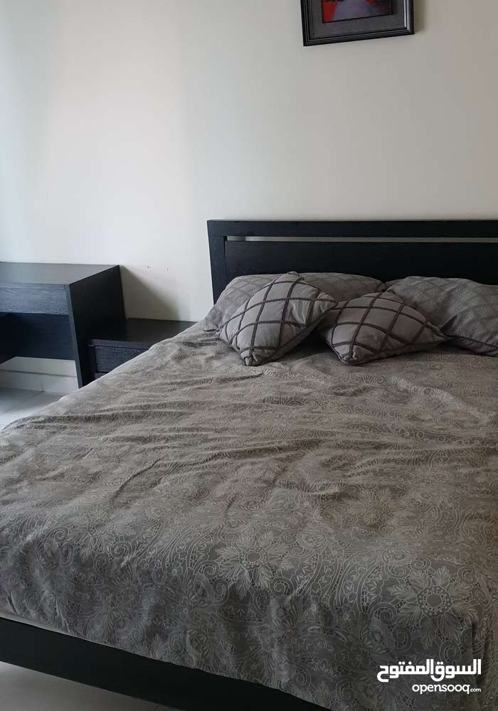 غرفة نوم وطقم كنب