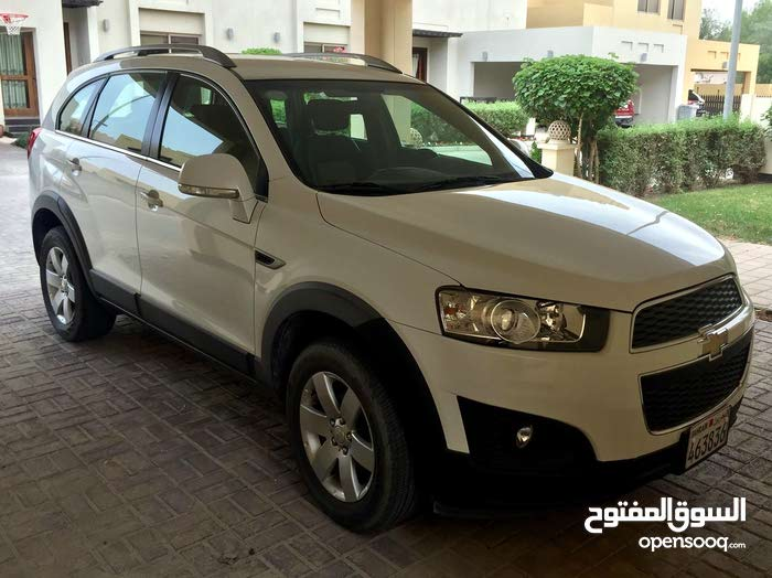 Chevrolet Captiva in very good condition one expat lady agency serviced