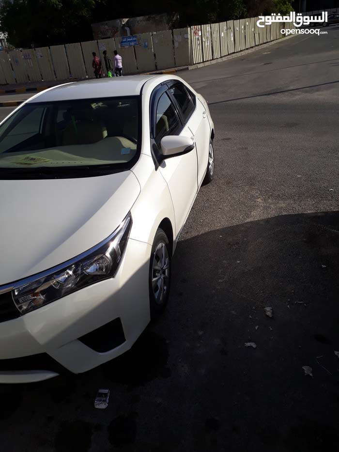 Renting Toyota cars, Corolla 2014 for rent in Farwaniya city