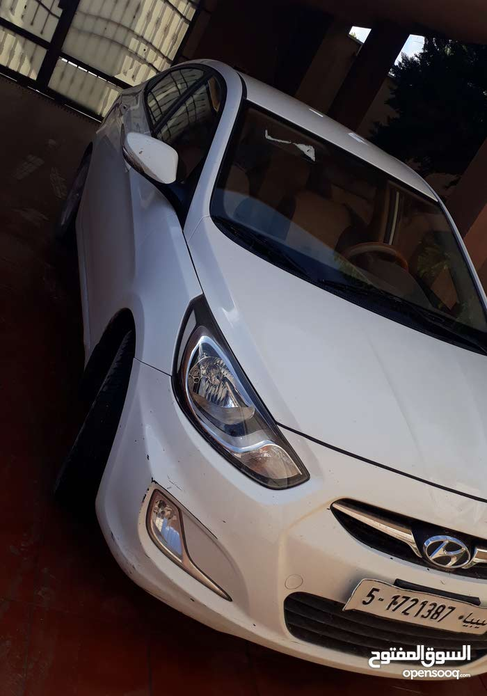 Used condition Hyundai Accent 2013 with 50,000 - 59,999 km mileage