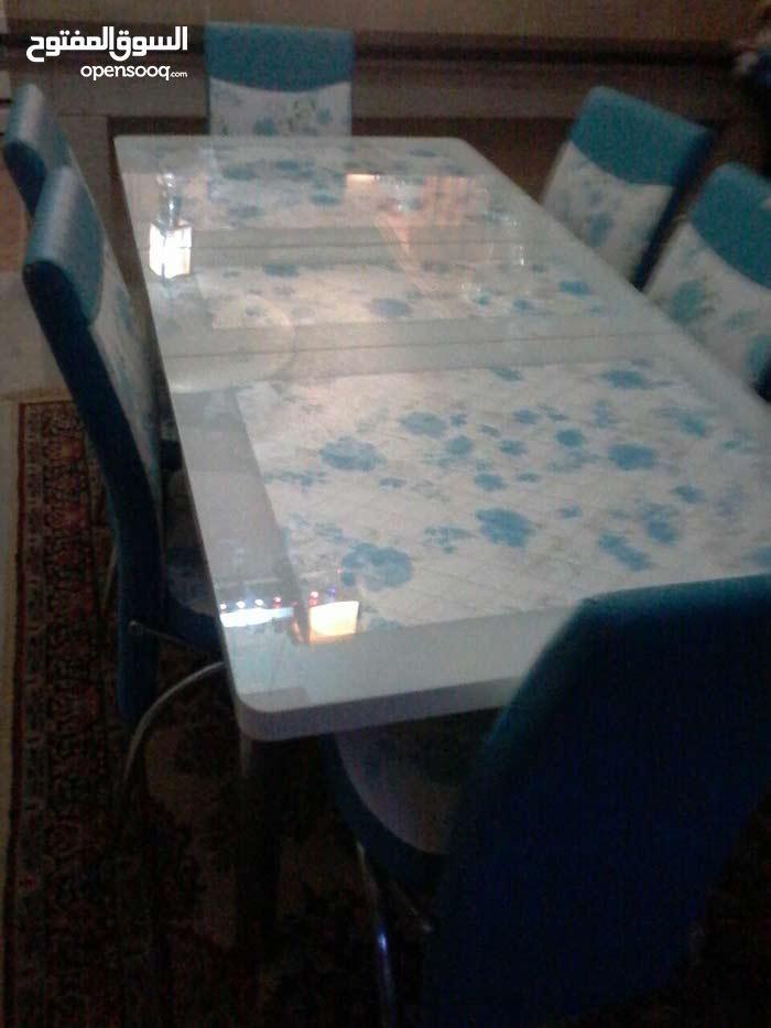 طاولة اكل استعمال نضيف