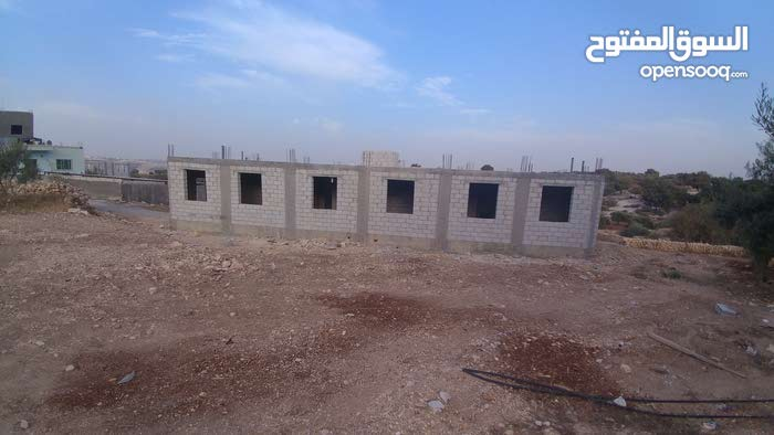 More rooms 4 bathrooms apartment for sale in Irbid
