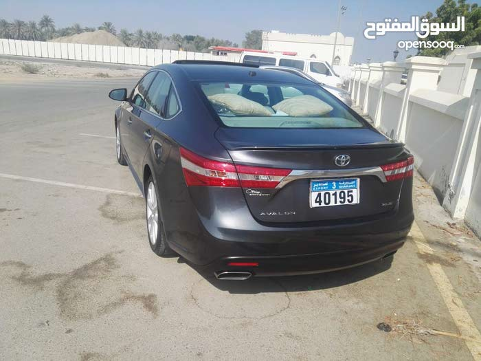 Used condition Toyota Avalon 2013 with 70,000 - 79,999 km mileage