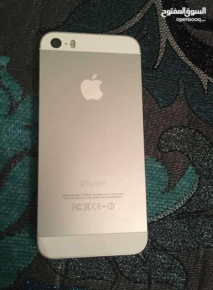 ايفون 5s شبه جديد استعمال اقل من شهر السعر 650 قابل لي النقاش