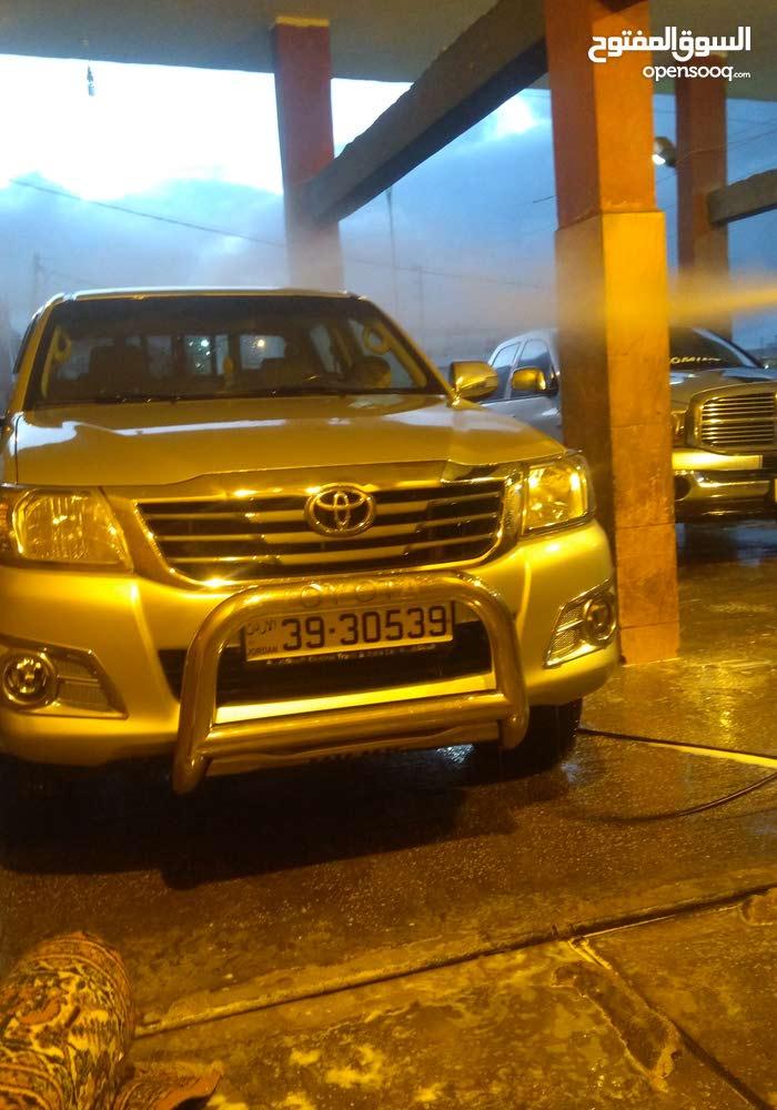 Manual Toyota 2014 for sale - Used - Al Karak city