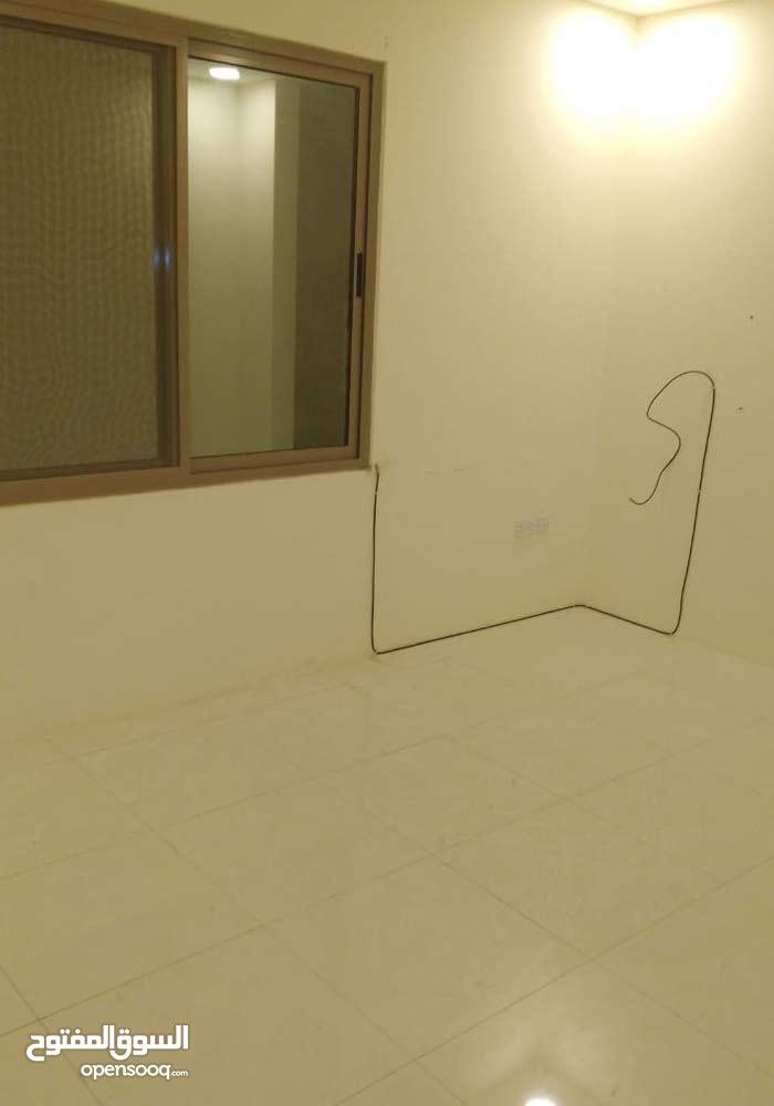 #شقة_للايجار_في_البسيتين مكونة من غرفتين ،حمامين،مطبخ،صالة مع المكيفات بسعر 200
