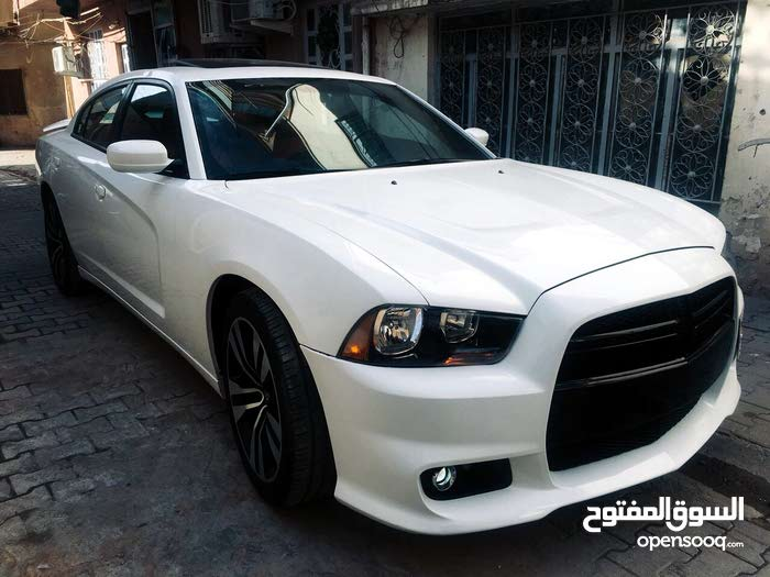 Automatic White Dodge 2014 for sale