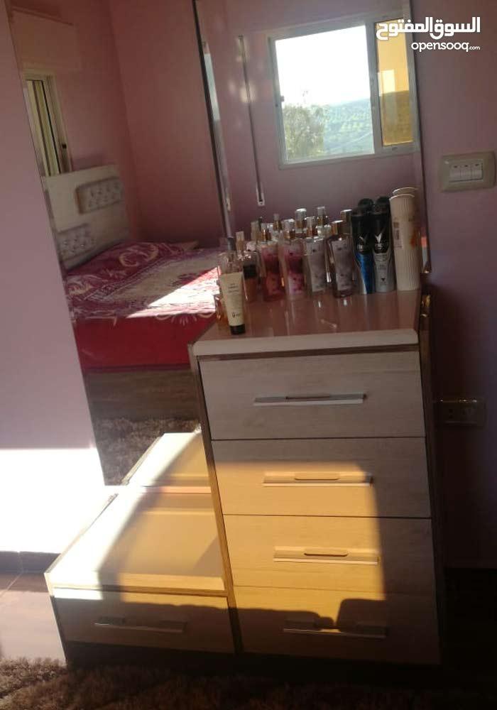 غرفة نوم لامنيت وهايجلوس تفصيل بحالة الوكالة