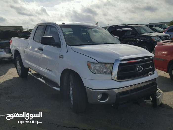 Used condition Toyota Tundra 2011 with 190,000 - 199,999 km mileage