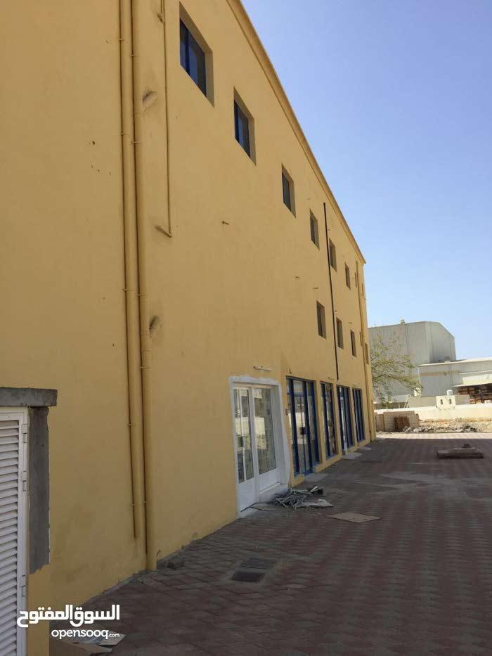 للبيع مبنى في منطقة الرسيل الصناعية