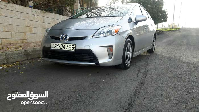 Used condition Toyota Prius 2013 with 60,000 - 69,999 km mileage