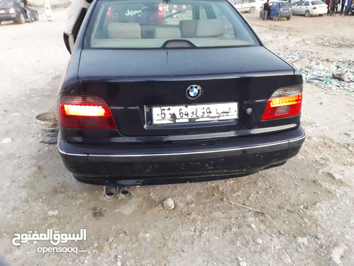 BMW 528 car for sale 2000 in Benghazi city