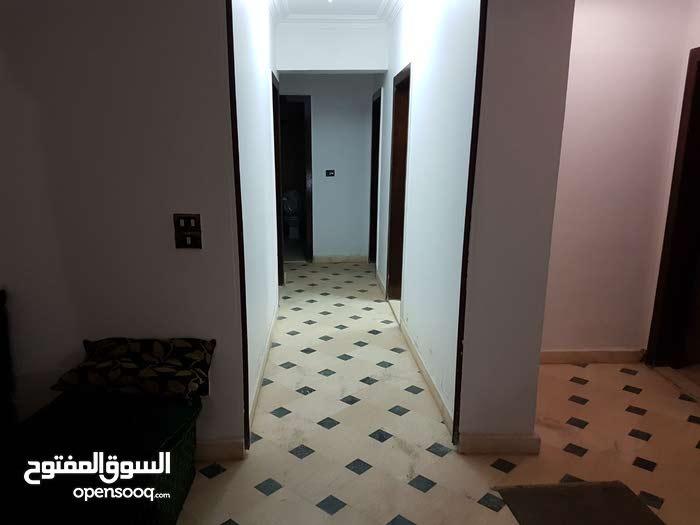 شقة 220م للبيع بالقرب ميدان هليوبوليس اداري او سكني