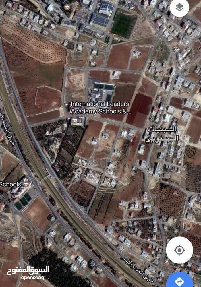 ارض مساحه 500 متر واجهة جيده فوق عراق الحمام