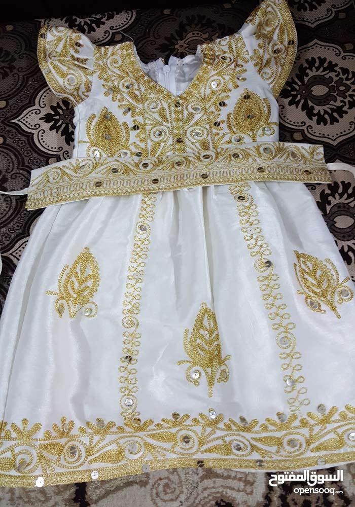 فستان طفلة بحريني