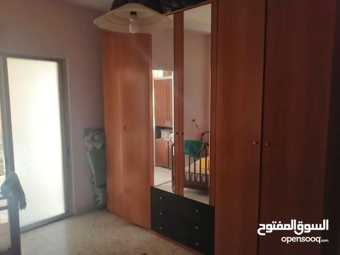 شقة للبيع في الكفاءات قرب سوبر ماركت رمال 2 نوم صالون كبير