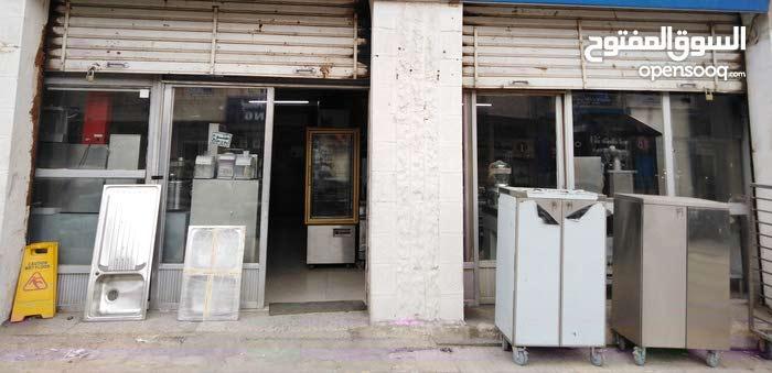 محل تجاري للبيع في خلدا_ ام سماق شارع عامر بن مالك مكون من بابين مساحة 70متر مرب
