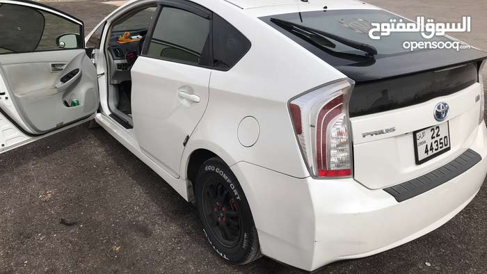 Automatic White Toyota 2012 for sale