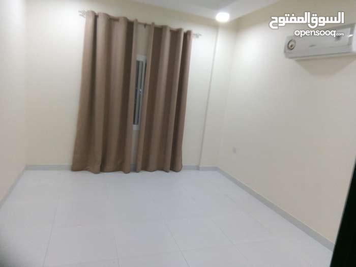 شقه للايجار في البساتين شامل ثلاث غرفه