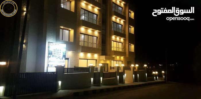 شقة ارضية مميزة للبيع في عرقوب خلدا 170م مع ترس 40م تشطيب سوبر ديلوكس لم تسكن