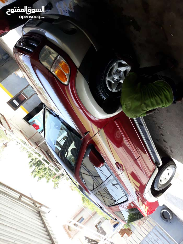 New condition Toyota Sequoia 2004 with +200,000 km mileage