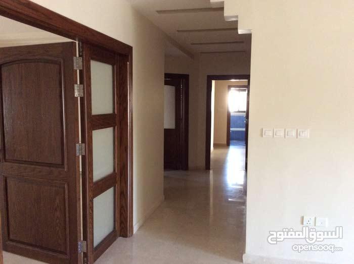 شقة جديدة فخمة جدا في منطقة هادئة - عمارة عائلية 5 شقق فقط  Apartment in a Small Family Building