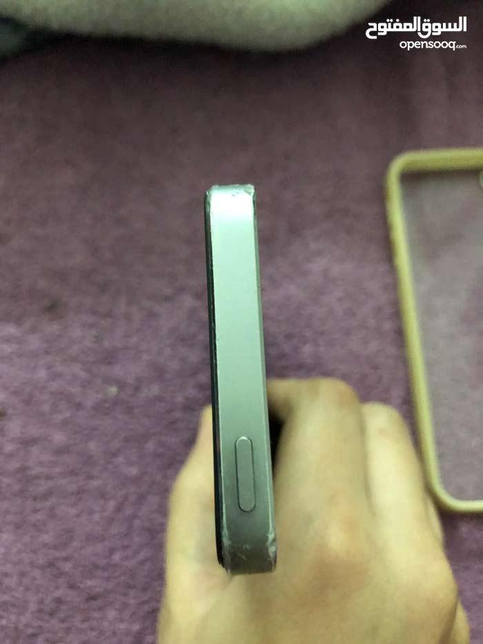 ايفون 5 اس للبيع ب350 ريال