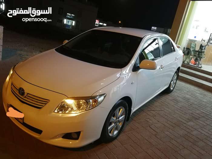 White Toyota Corolla 2010 for sale