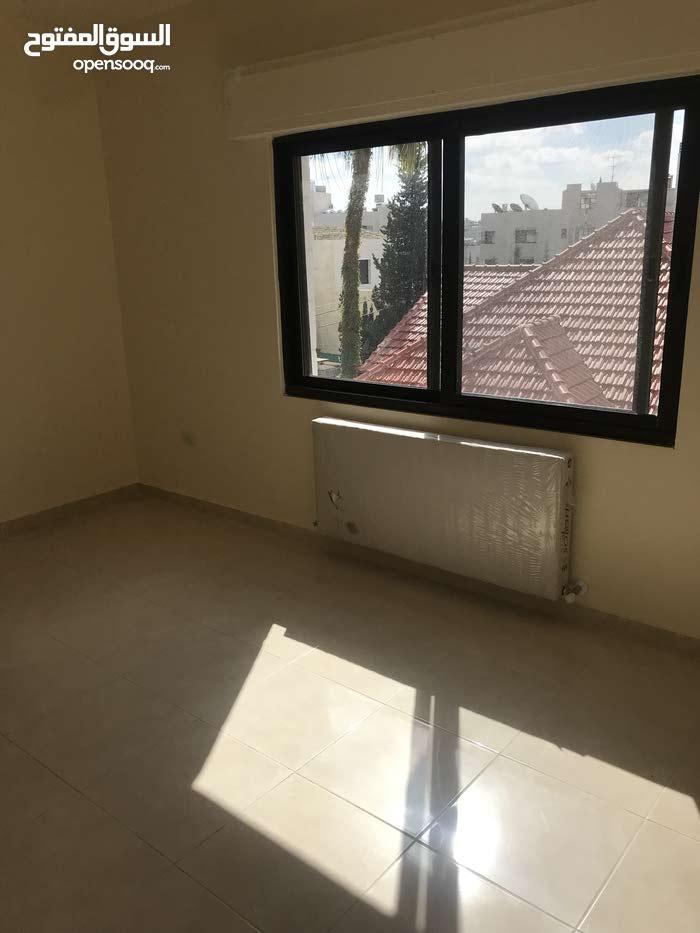 شقة جديدة في عبدون الشمالي بمواصفات وسعر ممتاز