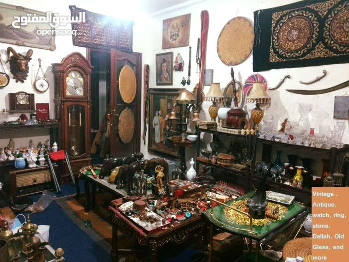 Vintage , Antique and More   -  مجموعة منوعة من التحف والانتيكا والتراث القديم و