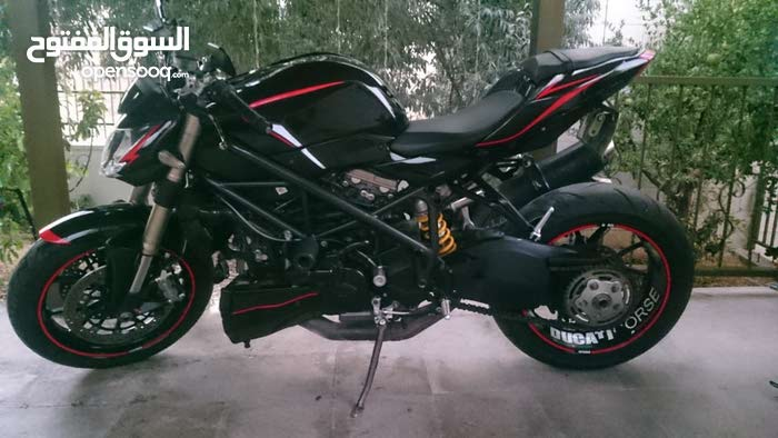 Ducati motorbike for sale directly from the owner
