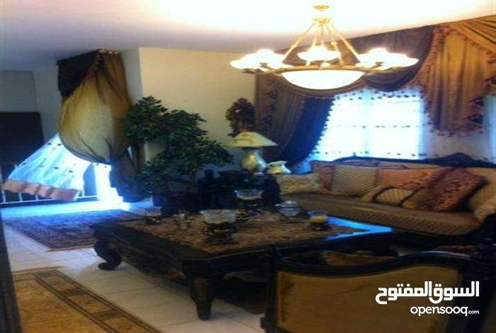 This aqar property consists of 3 Rooms and 3 Bathrooms in Amman Marj El Hamam
