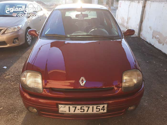 Renault Clio 2001 For sale - Maroon color