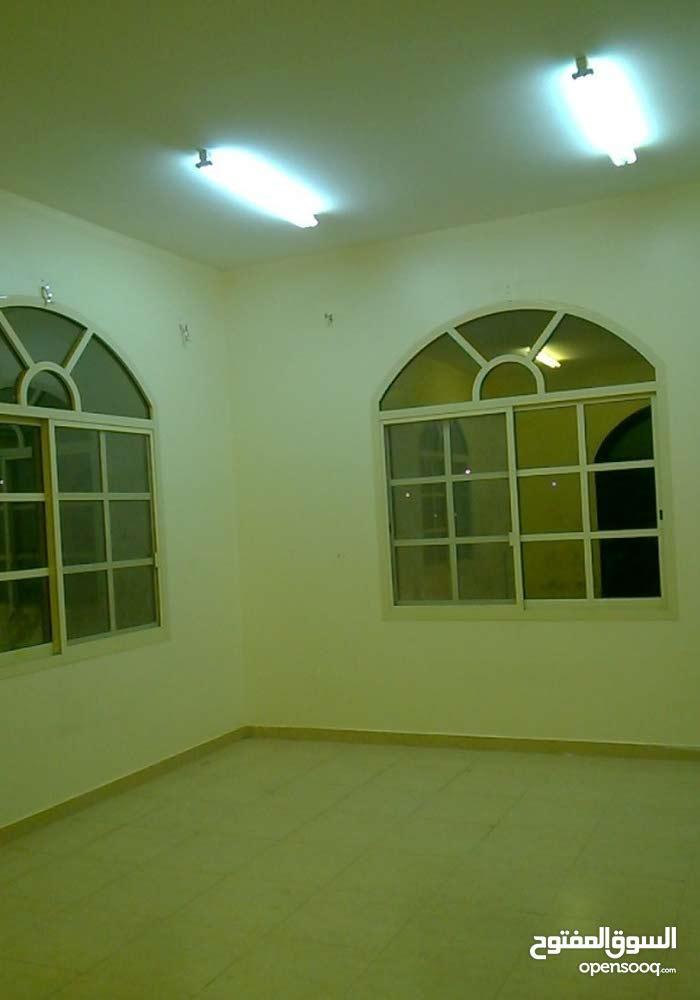 شقة للإيجار في مدينة العين - منطقة الظاهر