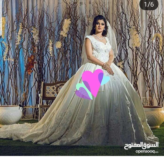 للبيع او الايجار فستان زفاف جديد