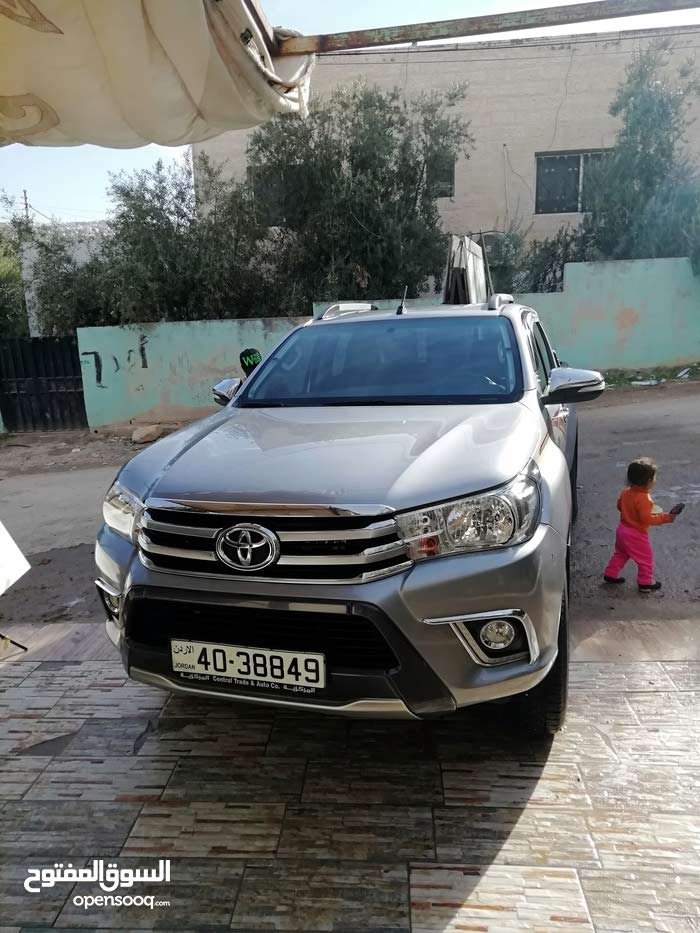 For sale 2016 Silver Hilux