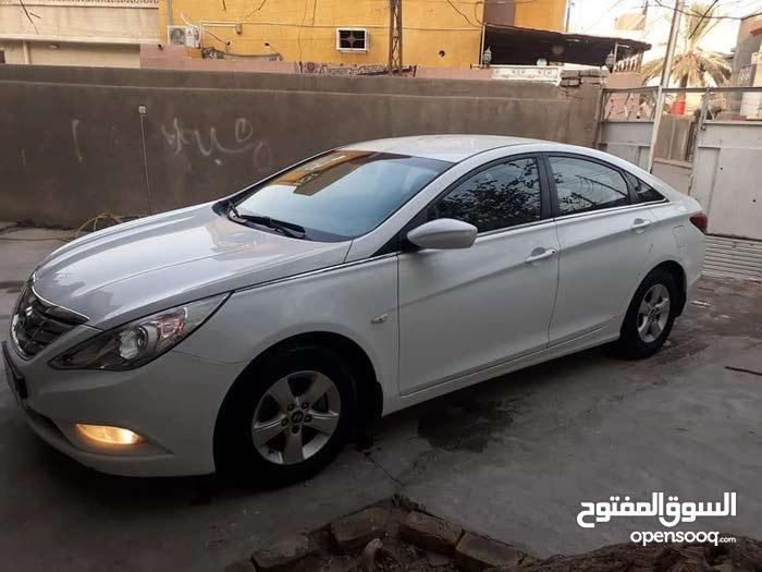 Automatic White Hyundai 2014 for sale