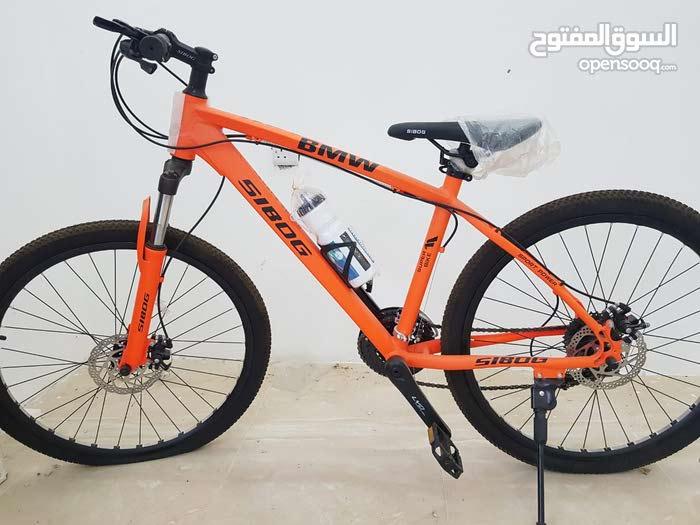 دراجات هوائية عالية الجودة وبآلوان مختلفة