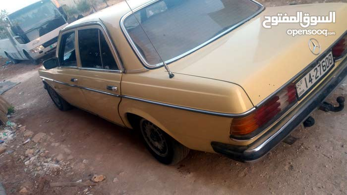 1 - 9,999 km Mercedes Benz E 200 1977 for sale