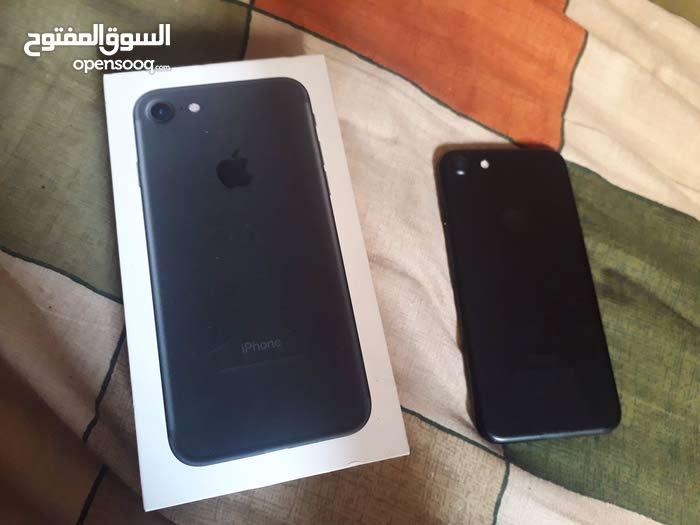 ايفون 7 g32 مع جميع اغراضو للبيع او اللبدل