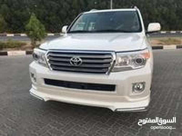 Automatic Green Toyota 2015 for sale