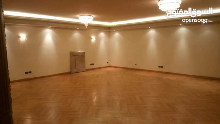 شقة للبيع بقلب مصر الجديدة 330م الشقة تشطيب التراسوبرلوكس
