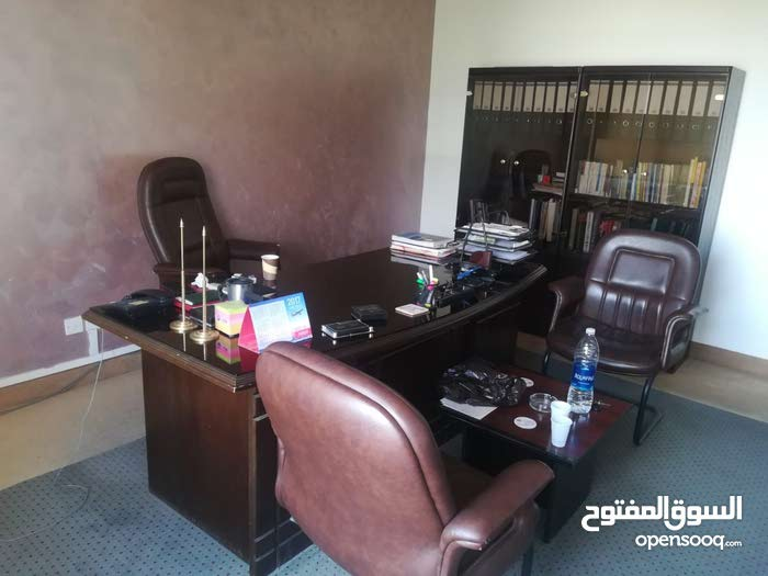 أثاث مكتب كامل للإيجار