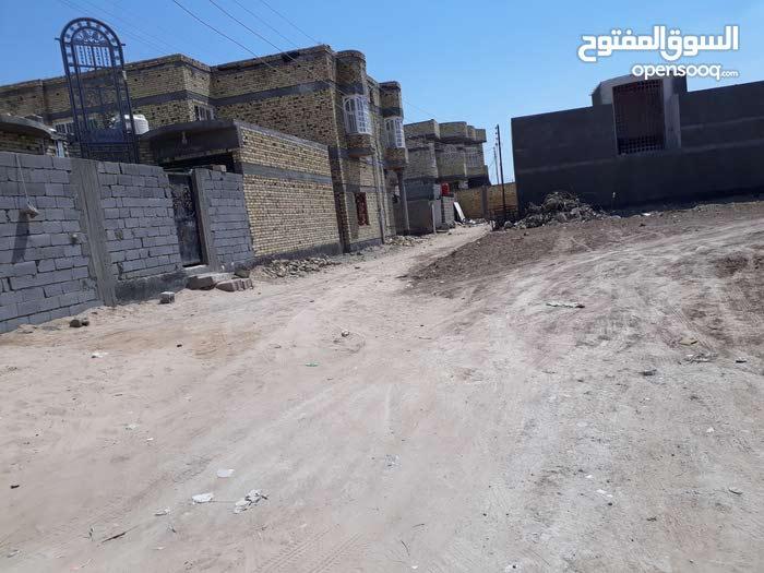 قطعة ارض للبيع المساحة 400م  في الجزيرة شط العرب شارع( اليوبه ).. تبعد عن مدرسة