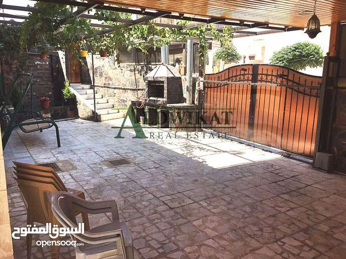 فيلا مستقلة للبيع في ابو علندة , مساحة الارض 530م  -  مساحة البناء 500م