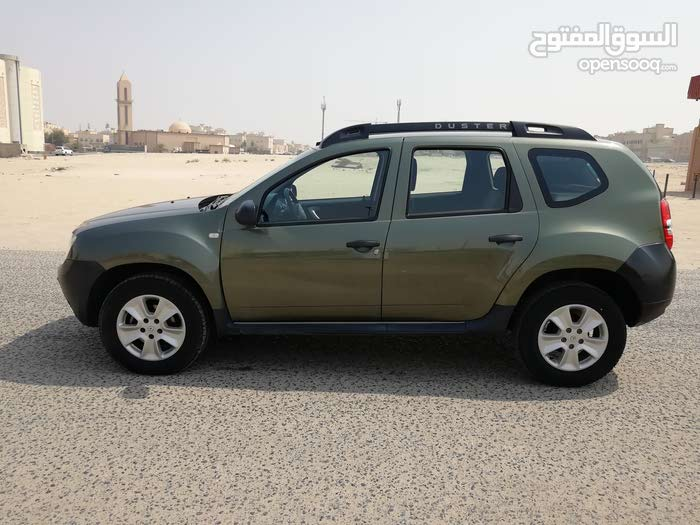 Renault Duster 2015 For sale - Green color