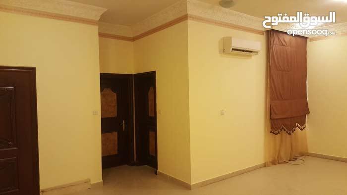 شقه للايجار في ام صلال محمد
